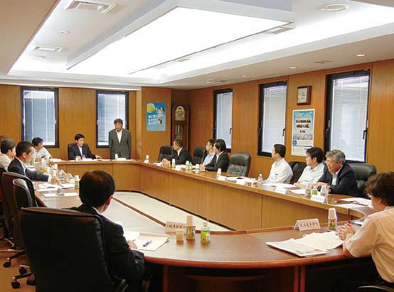 全体連絡会議開催要領等を協議する青連協役員会