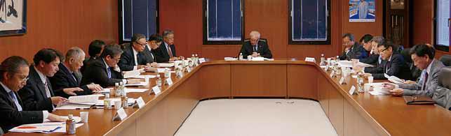 平成29年度事業計画案を審議する広報委員会